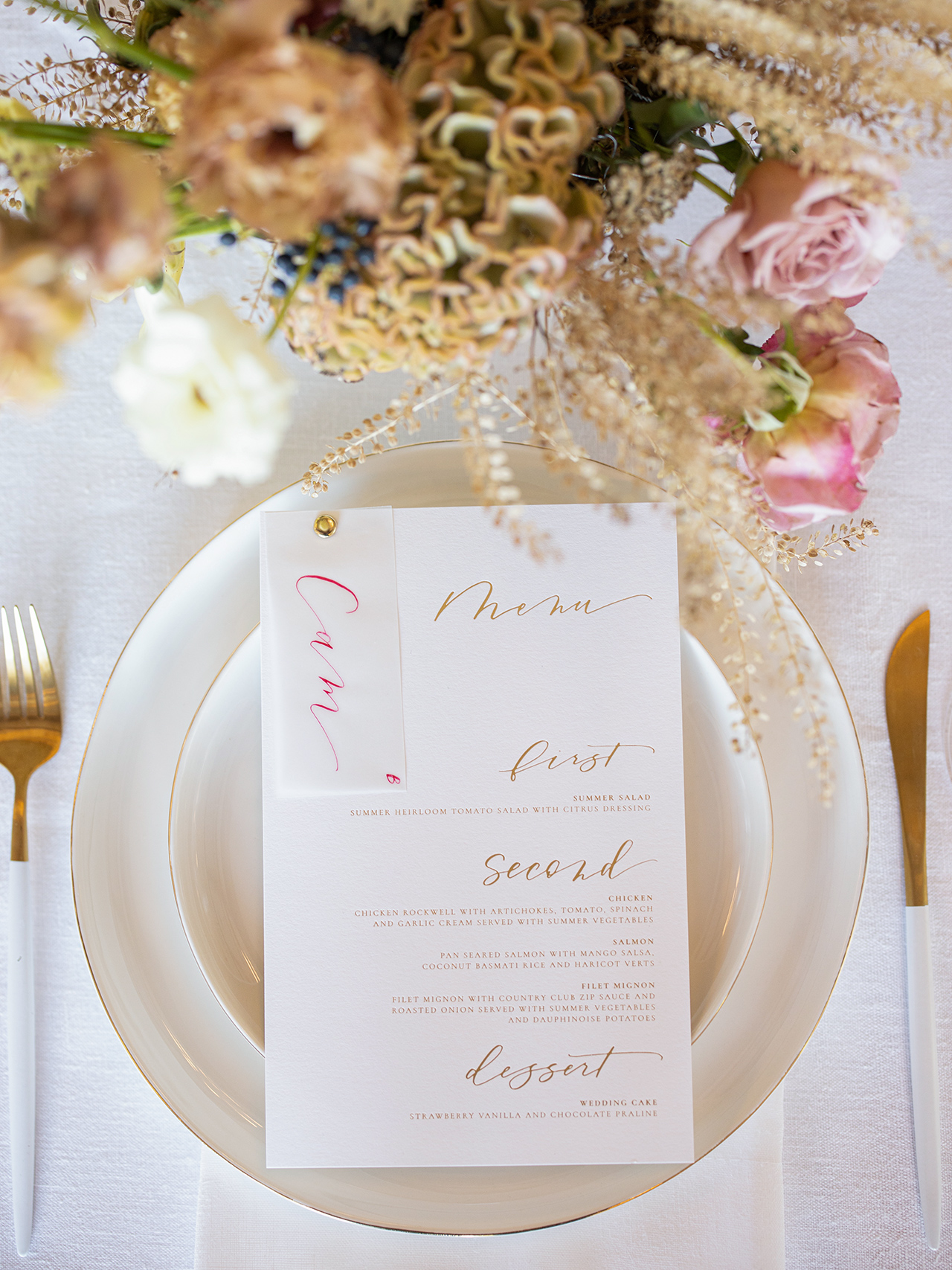 tablesetting wedding menu gold lettering garden floral arrangement