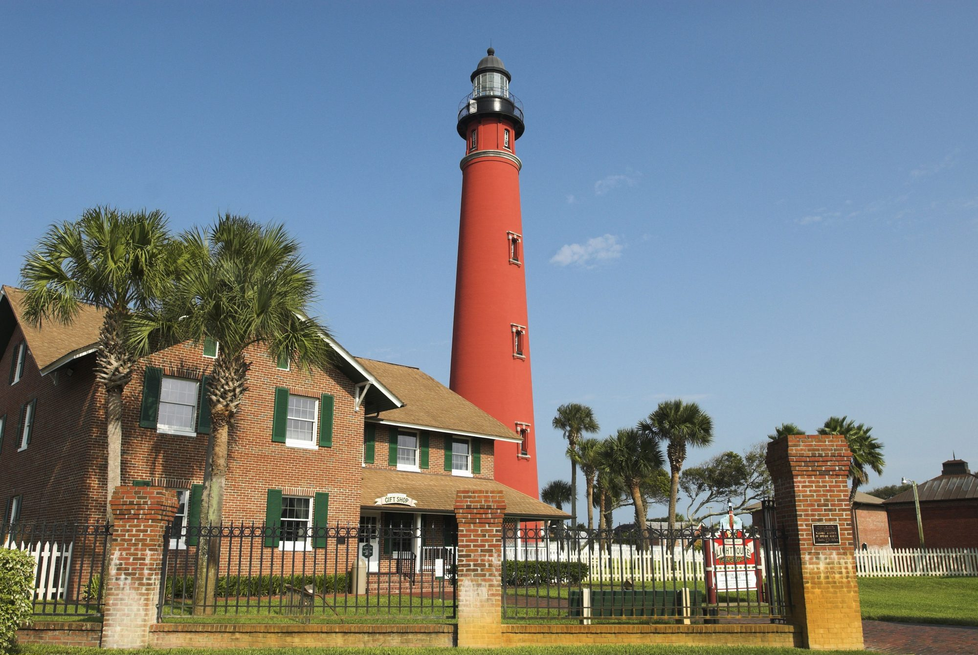 ponce de leon inlet red lighthouse