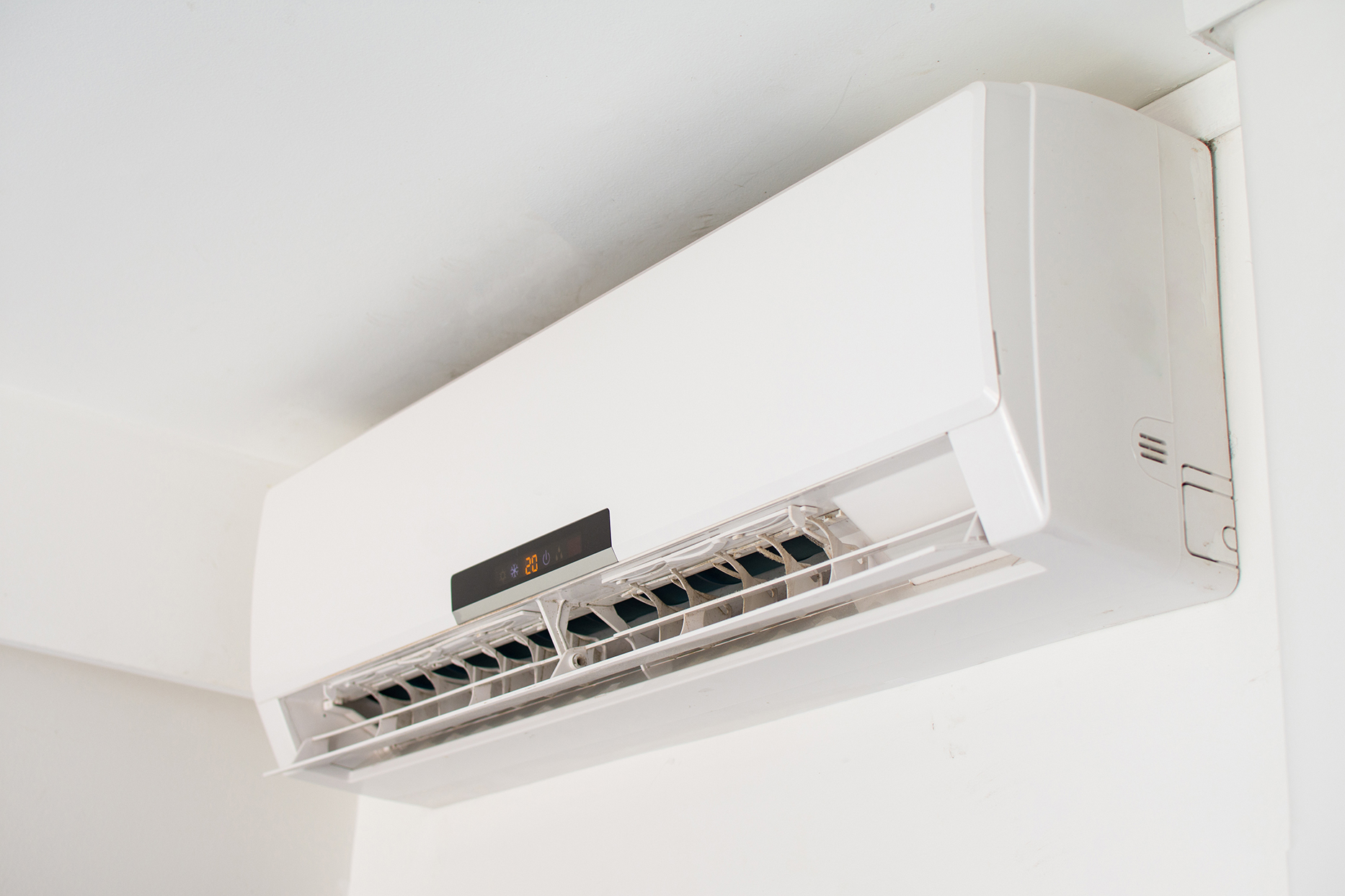 Air conditioning unit near ceiling