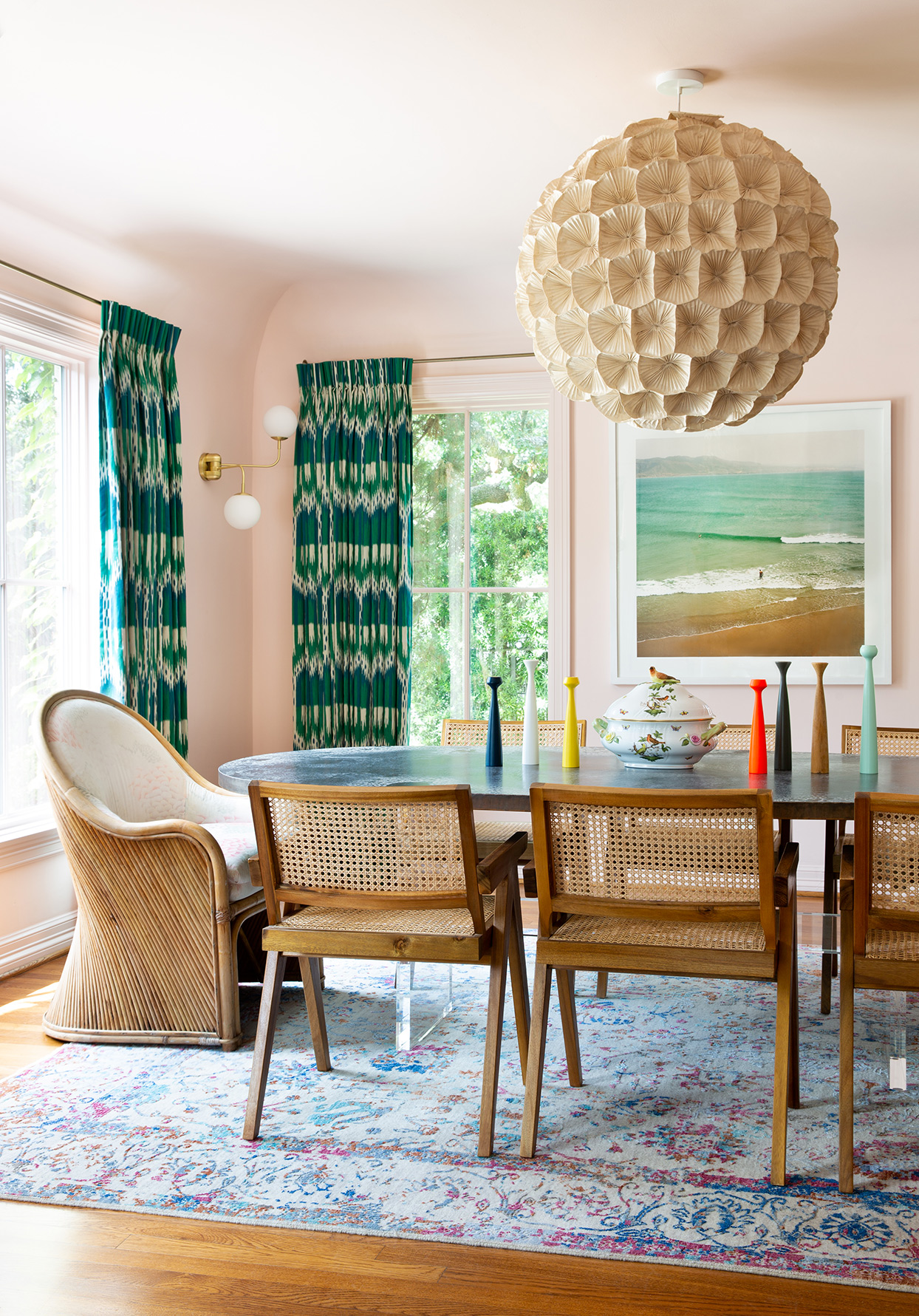houston dining room with wicker chairs and peach walls