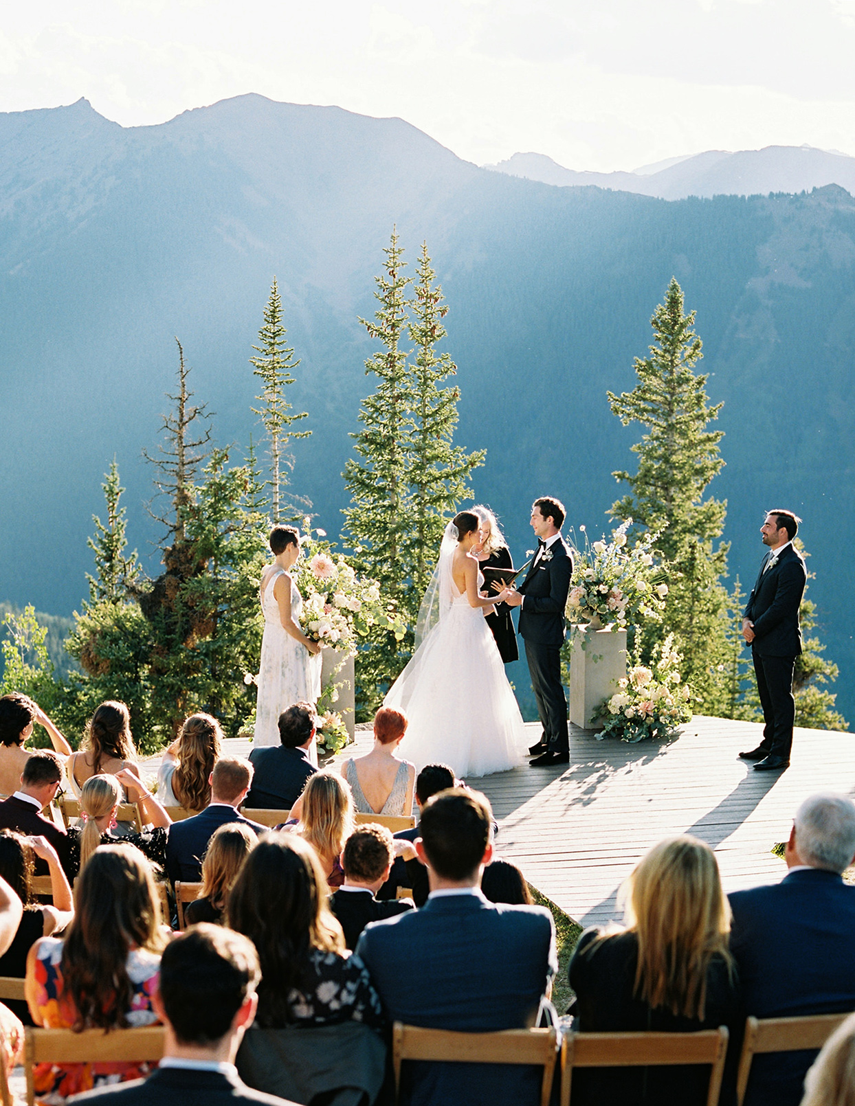 kimmie mike wedding ceremony with mountain view