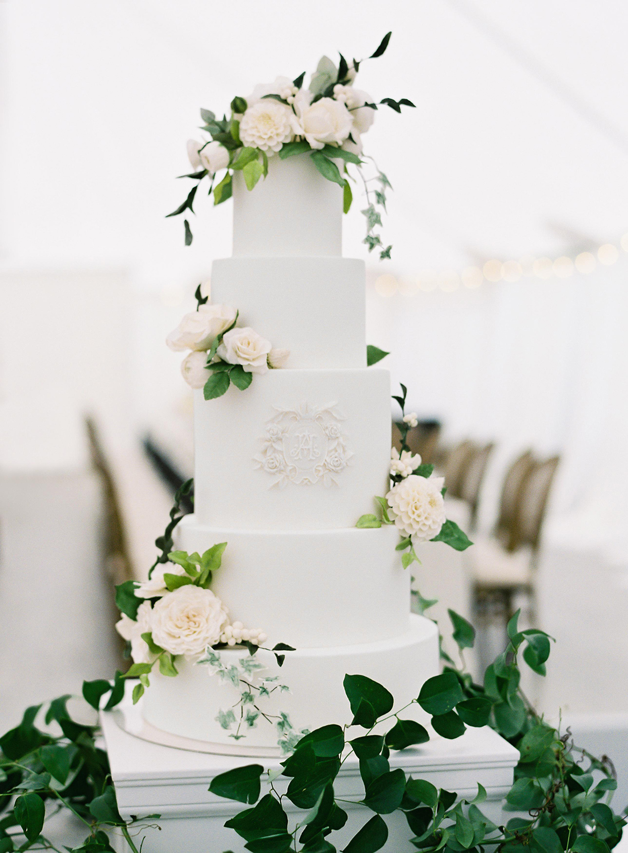 hillary alexander white wedding cake with flowers