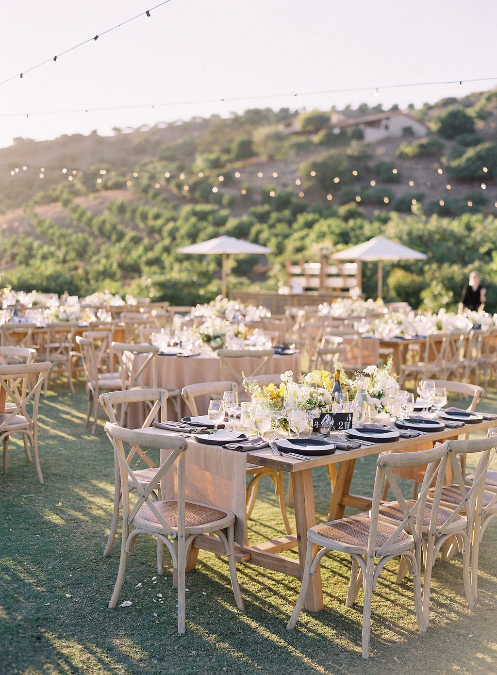becca joey wedding reception tables
