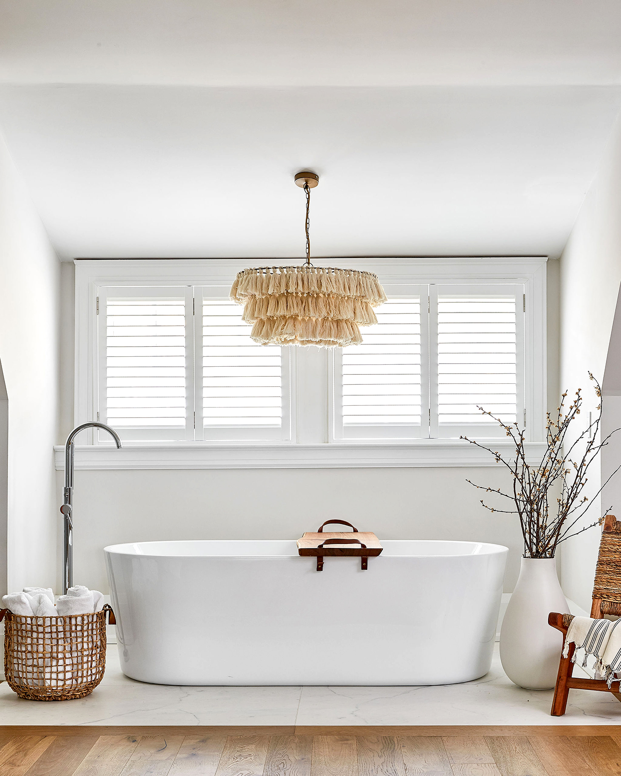 How to Keep Your Bathtub Clean 24/7