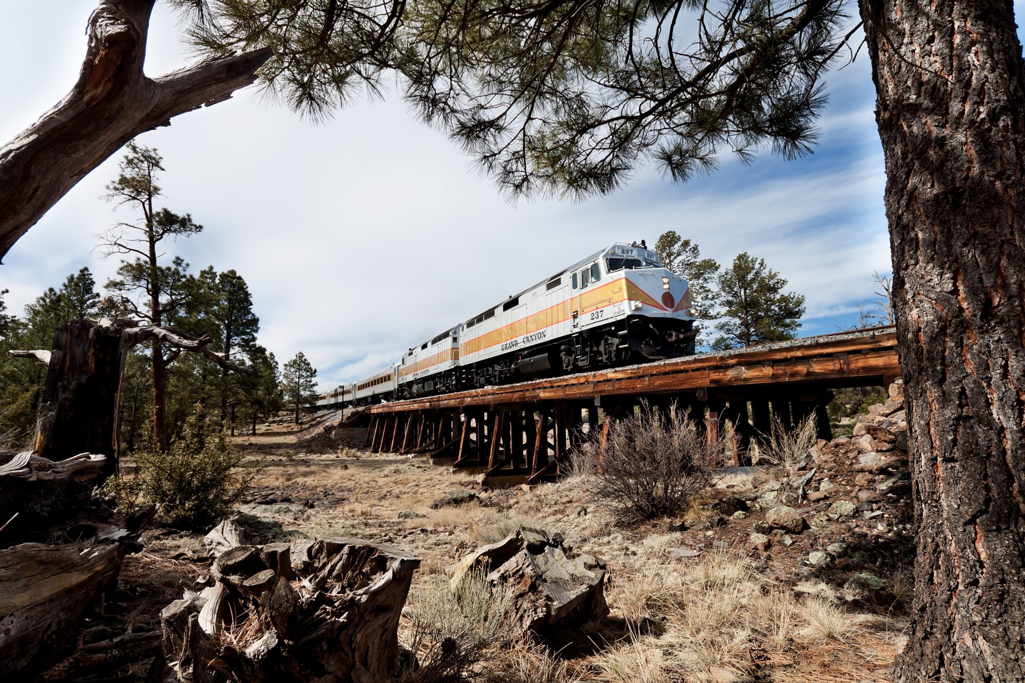 train crossed over the desert along the Grand Canyon Railway