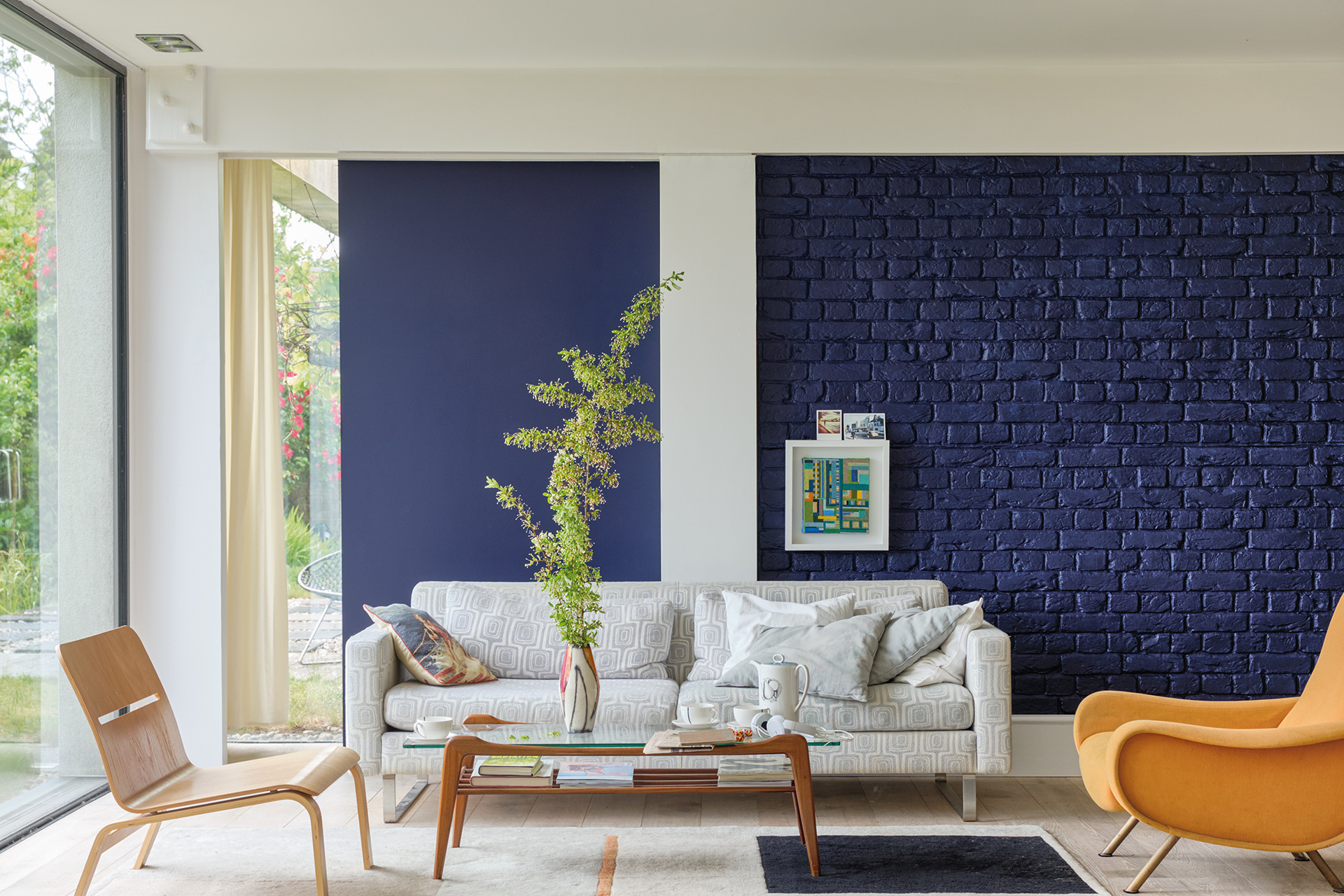 living room navy blue painted walls