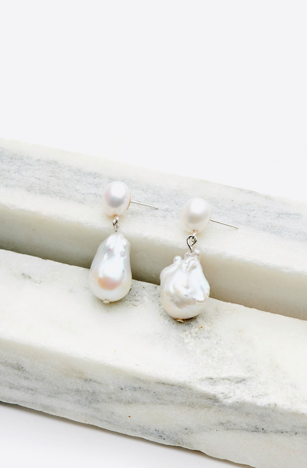 Sophie Buhai Essential Pearl Earrings