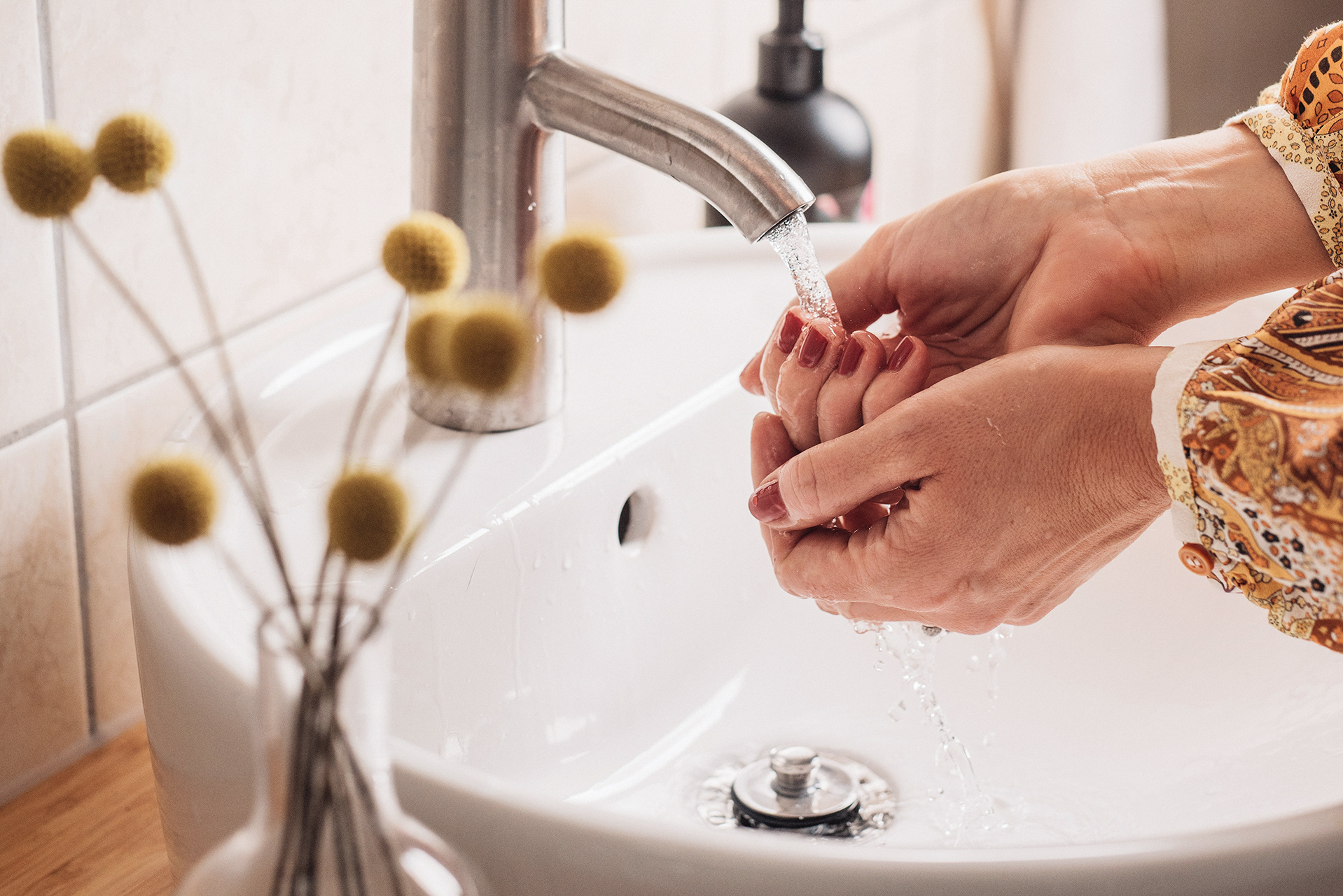 How to Wash Your Hands Properly, According to a Doctor