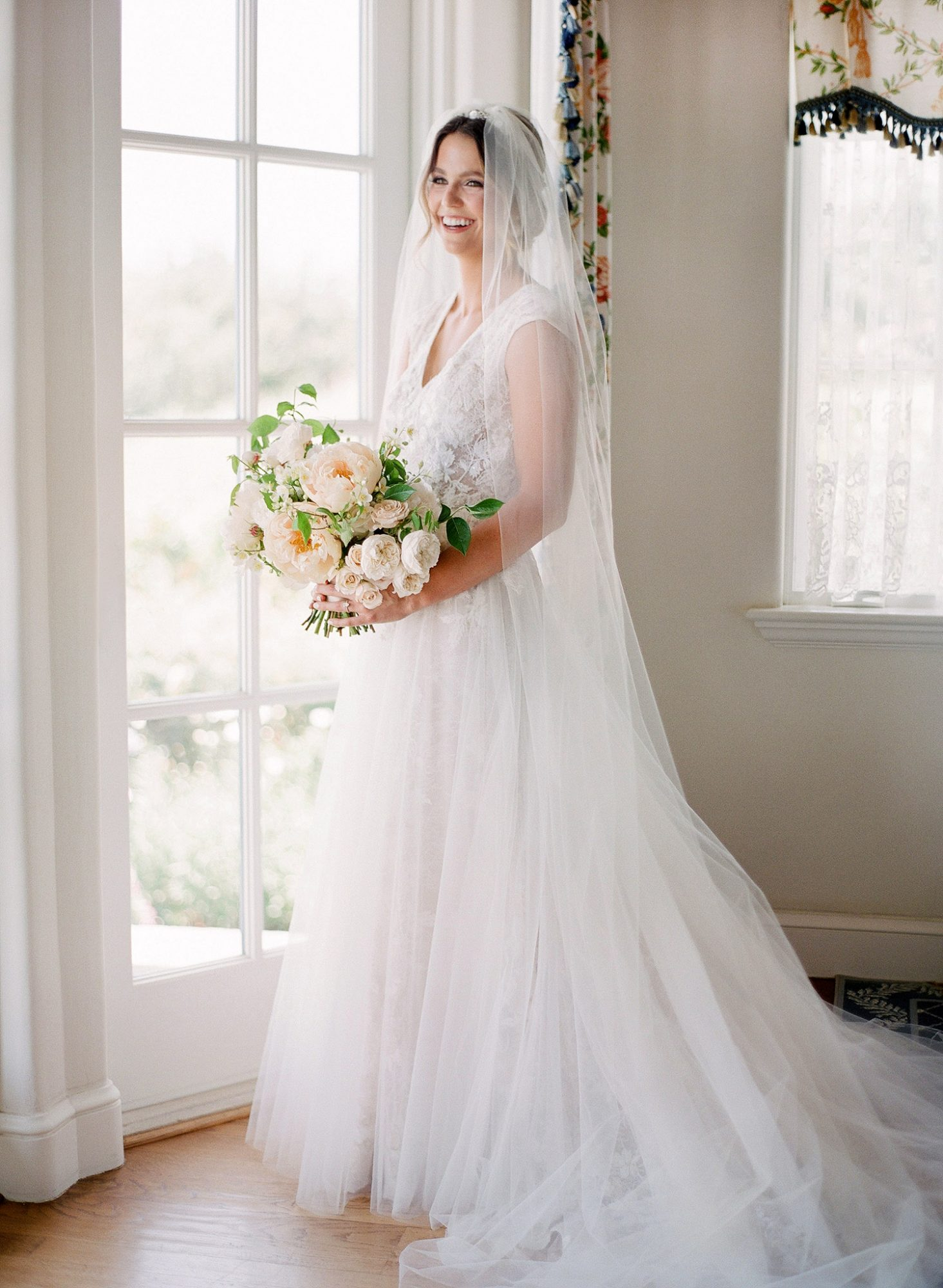 tamara erik wedding bride veil bouquet