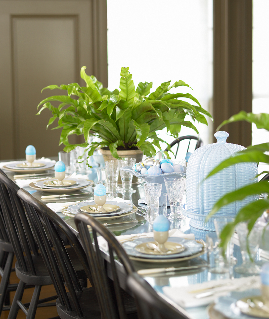 Spring Centerpieces That Bring The Outside In Martha Stewart