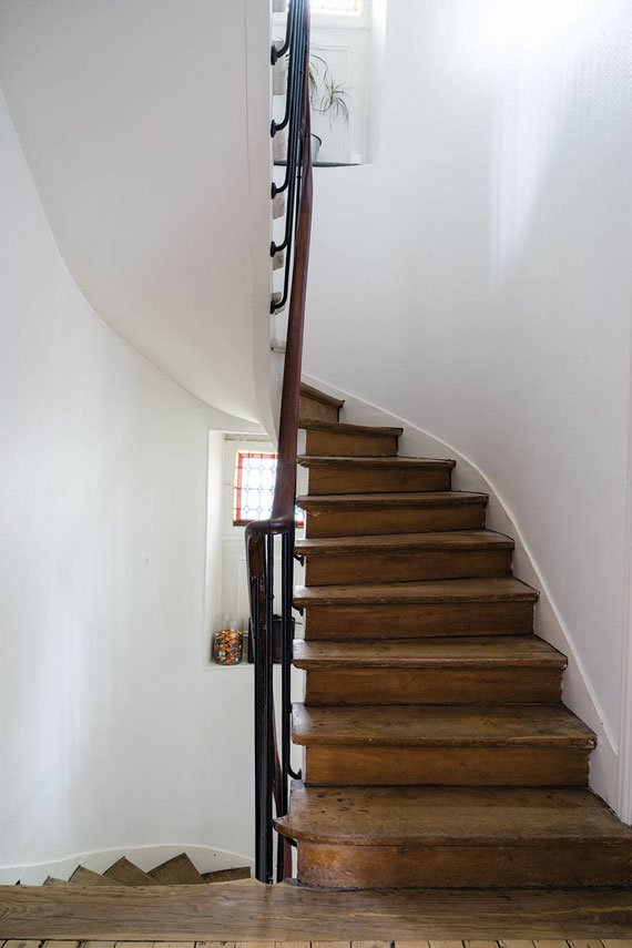 Farrow & Ball Pointing No. 2003 painted staircase