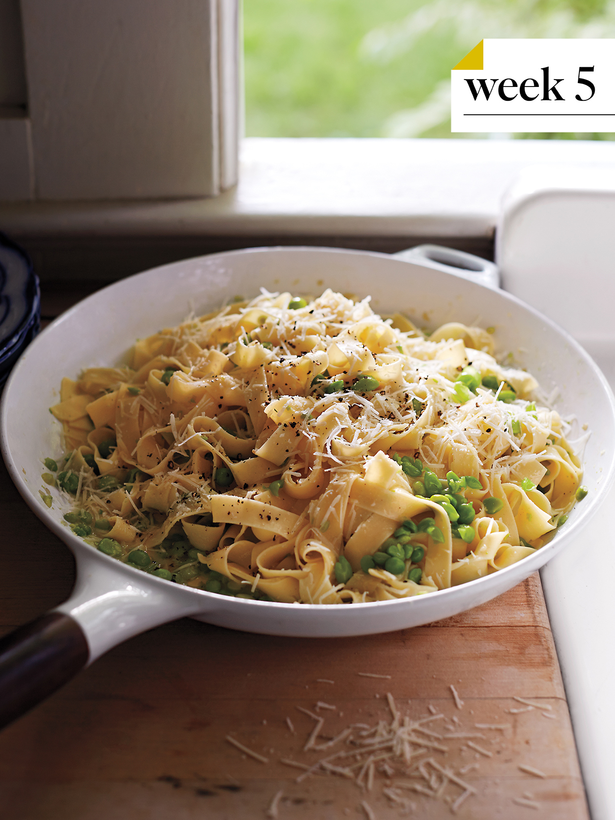 pasta with grated cheese and peas