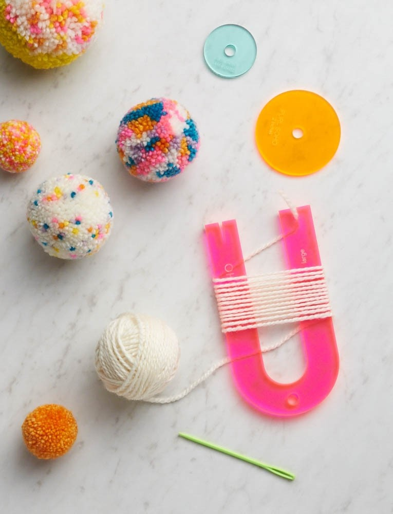 pom-pom crafting kit