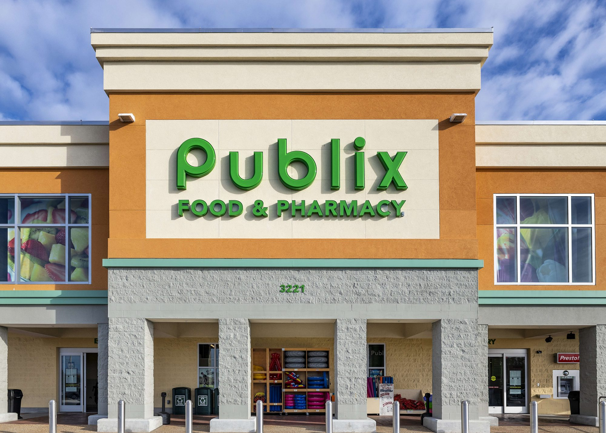 exterior of the Florida-based Publix food market