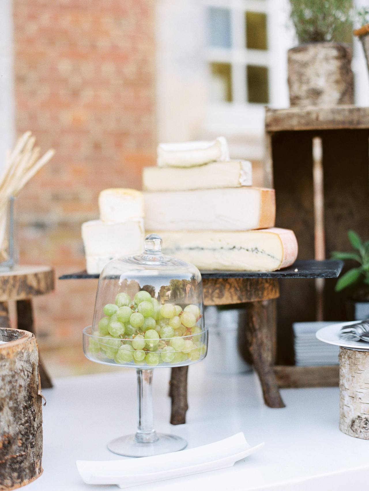 julia crawford wedding cheese and grapes