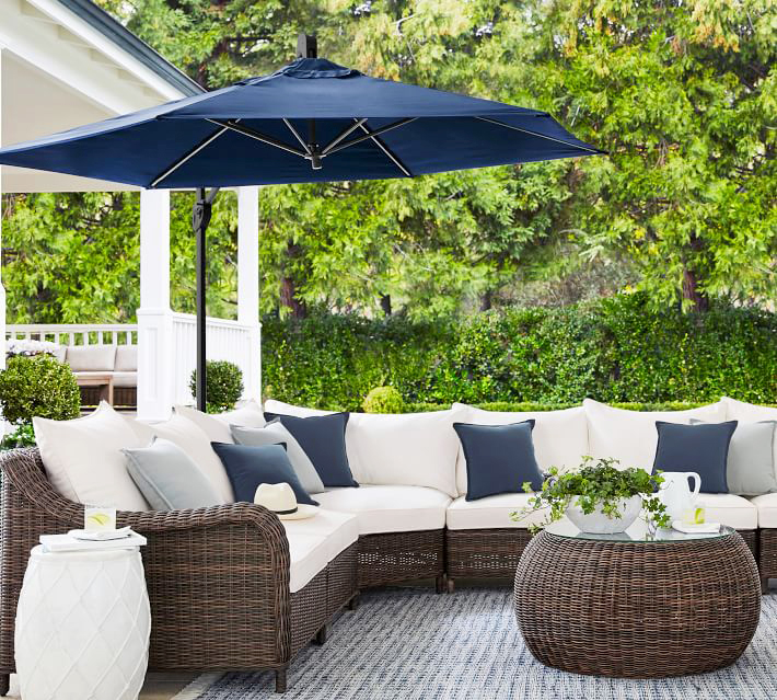 outdoor patio with cantilevered umbrella