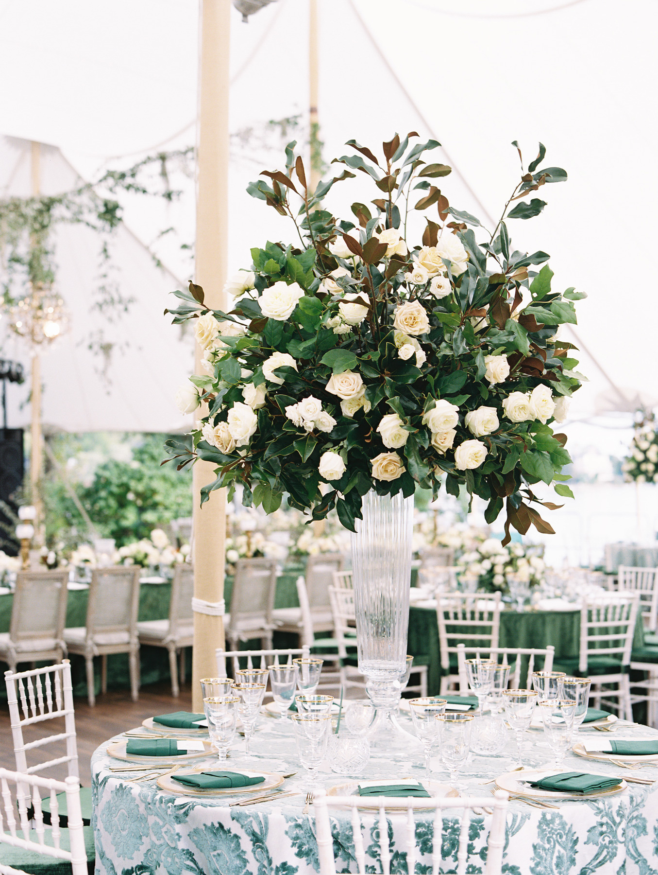table centerpiece large glass vase with white roses