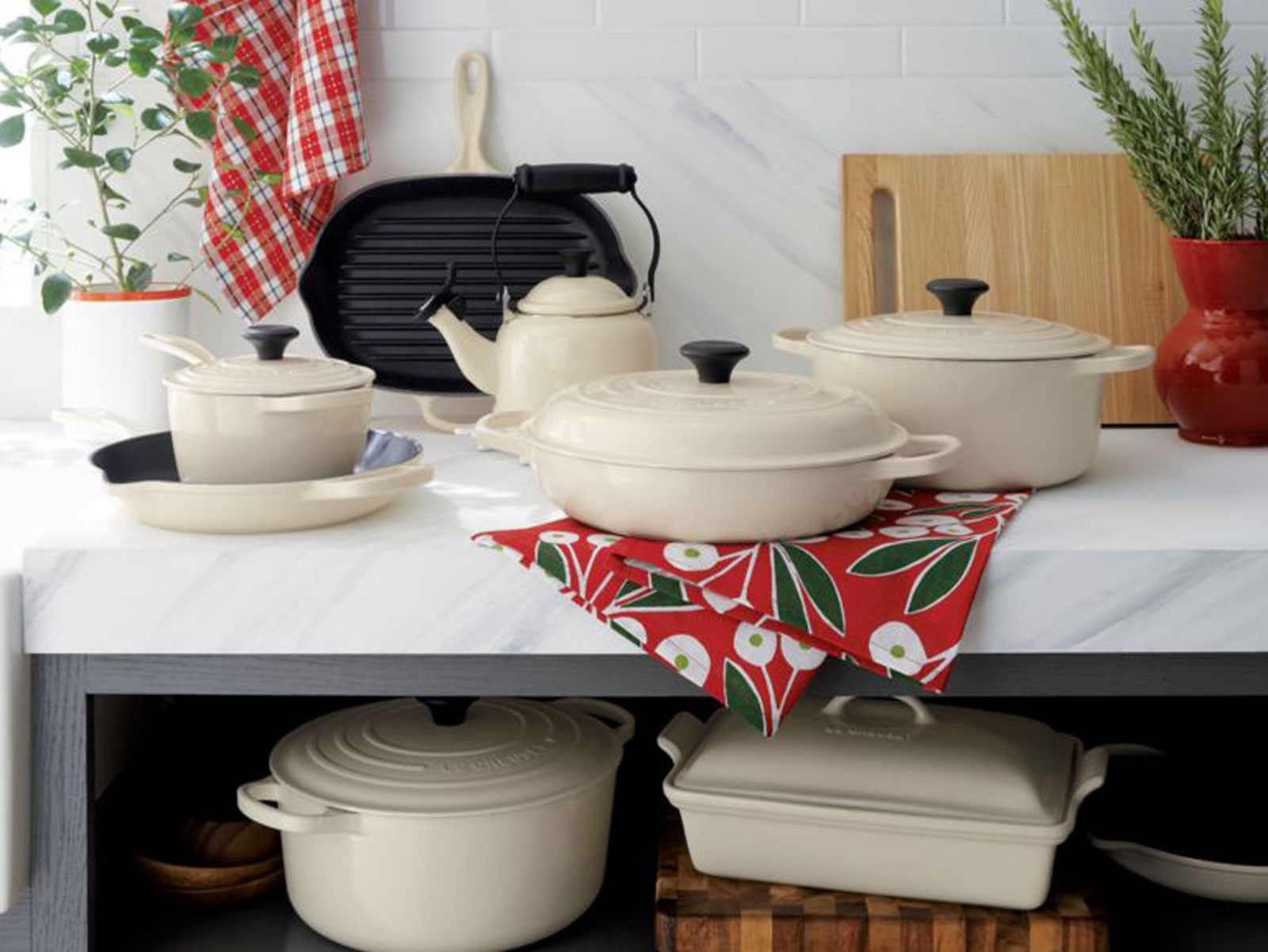 Le Creuset set of cookware in cream