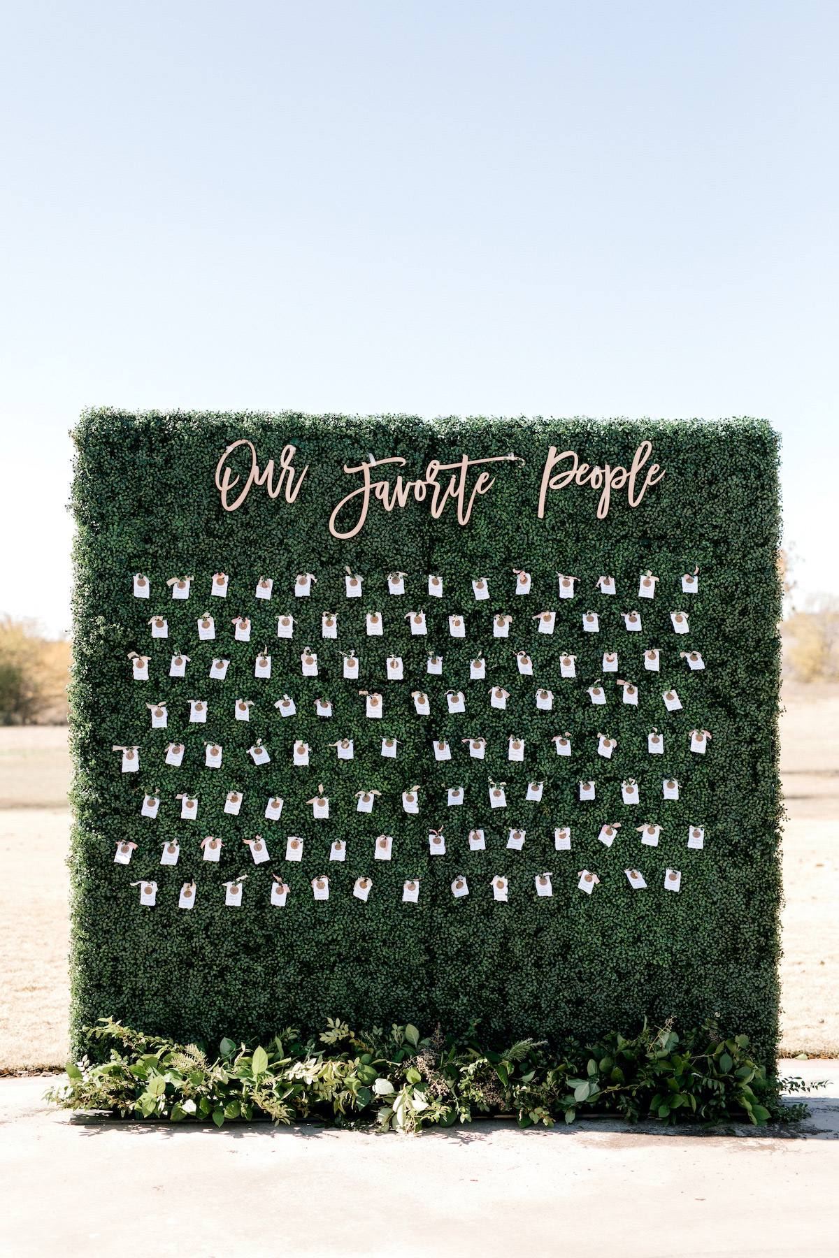 hedge seating chart with little place cards