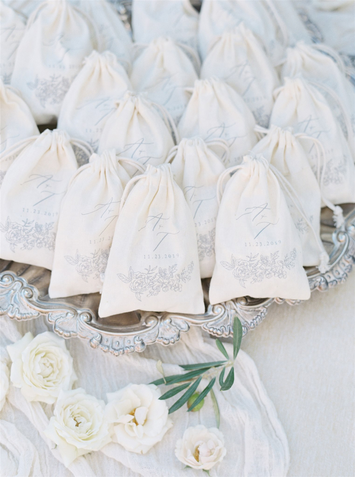 Custom drawstring bags favors