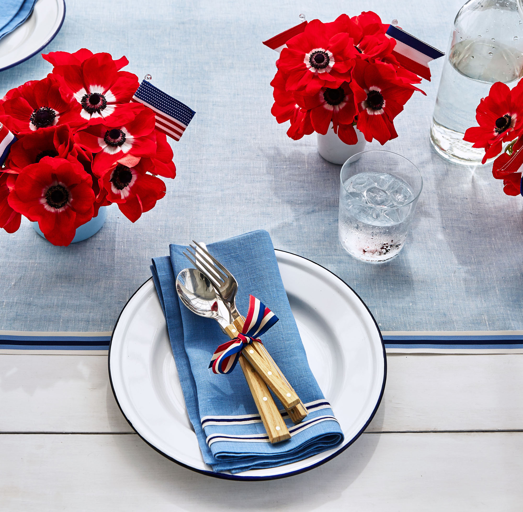 Patriotic Table Setting with Anemone Flower Arrangements