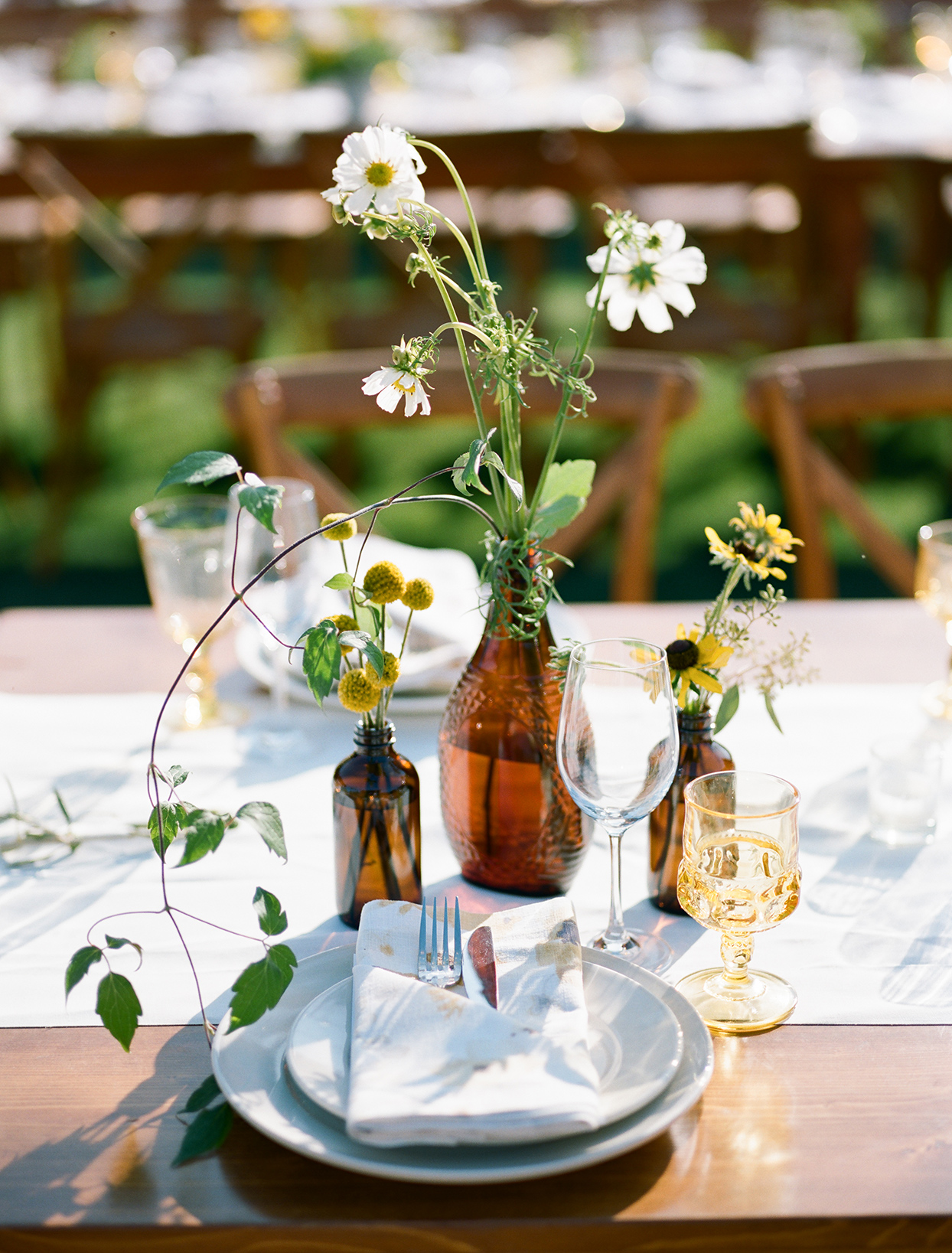 simple yellow and brown natural place setting