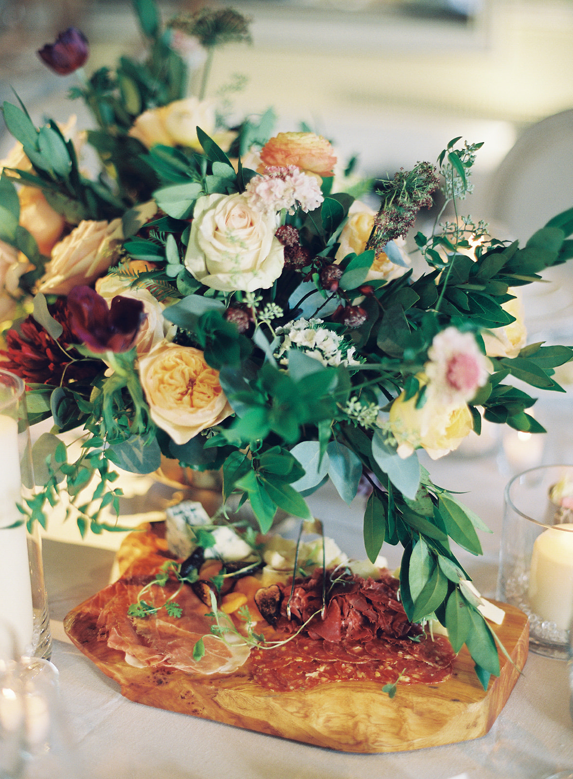 Centerpieces in antique gold footed bowls