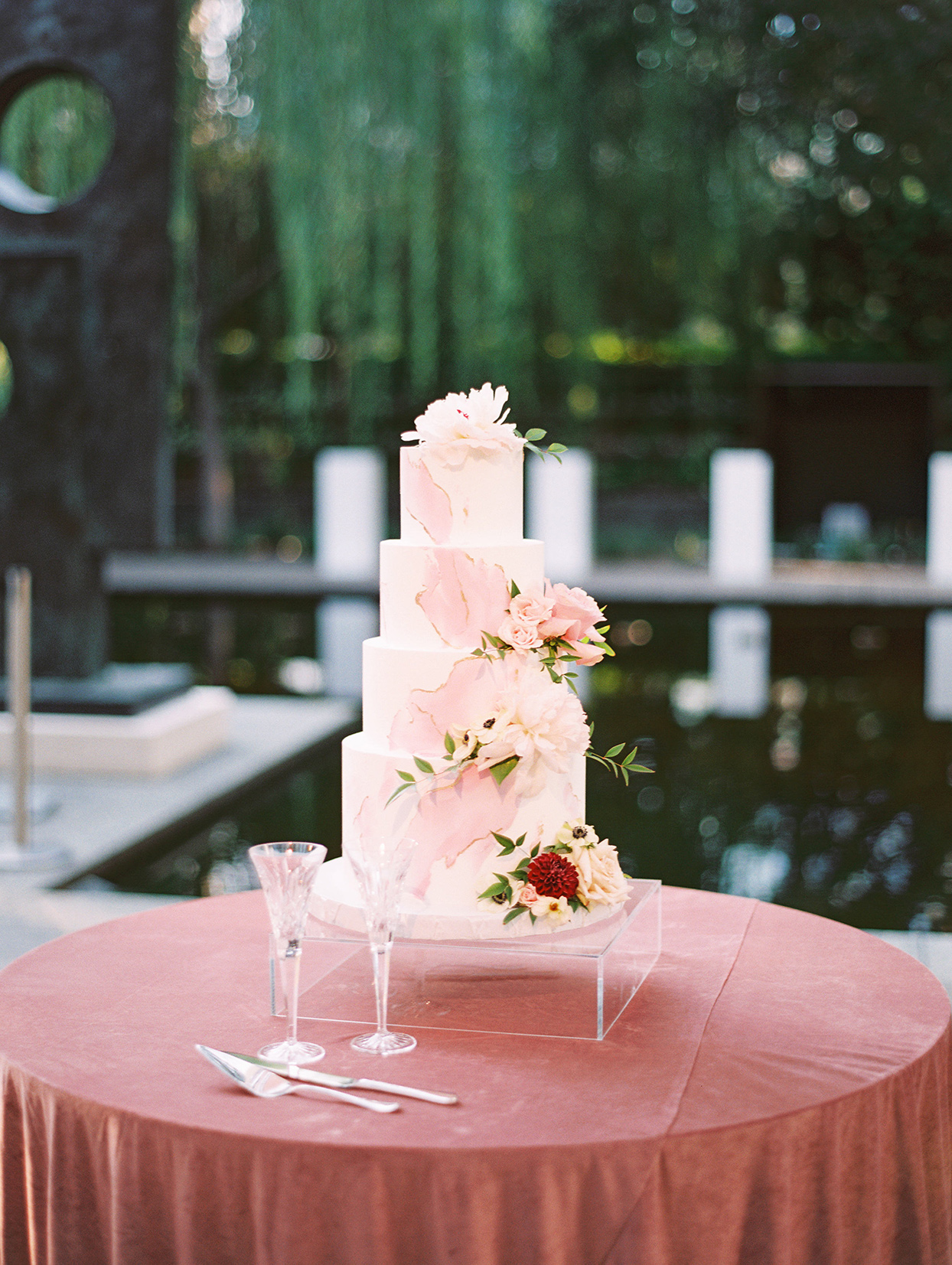 elegant white and pink wedding cake