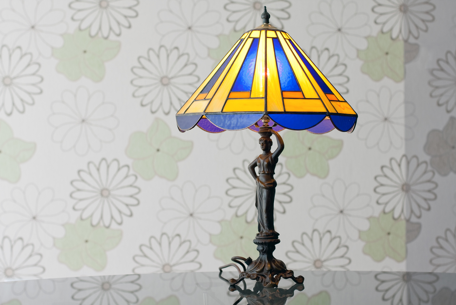 tiffany style antique lamp blue and yellow shade