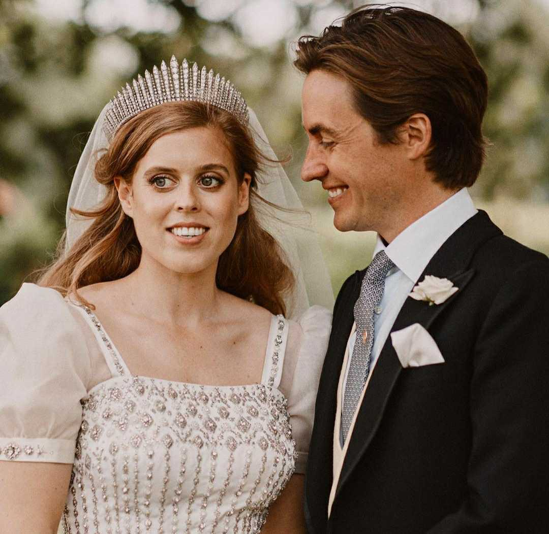 princess beatrice edo mapelli mozzi wedding day portrait