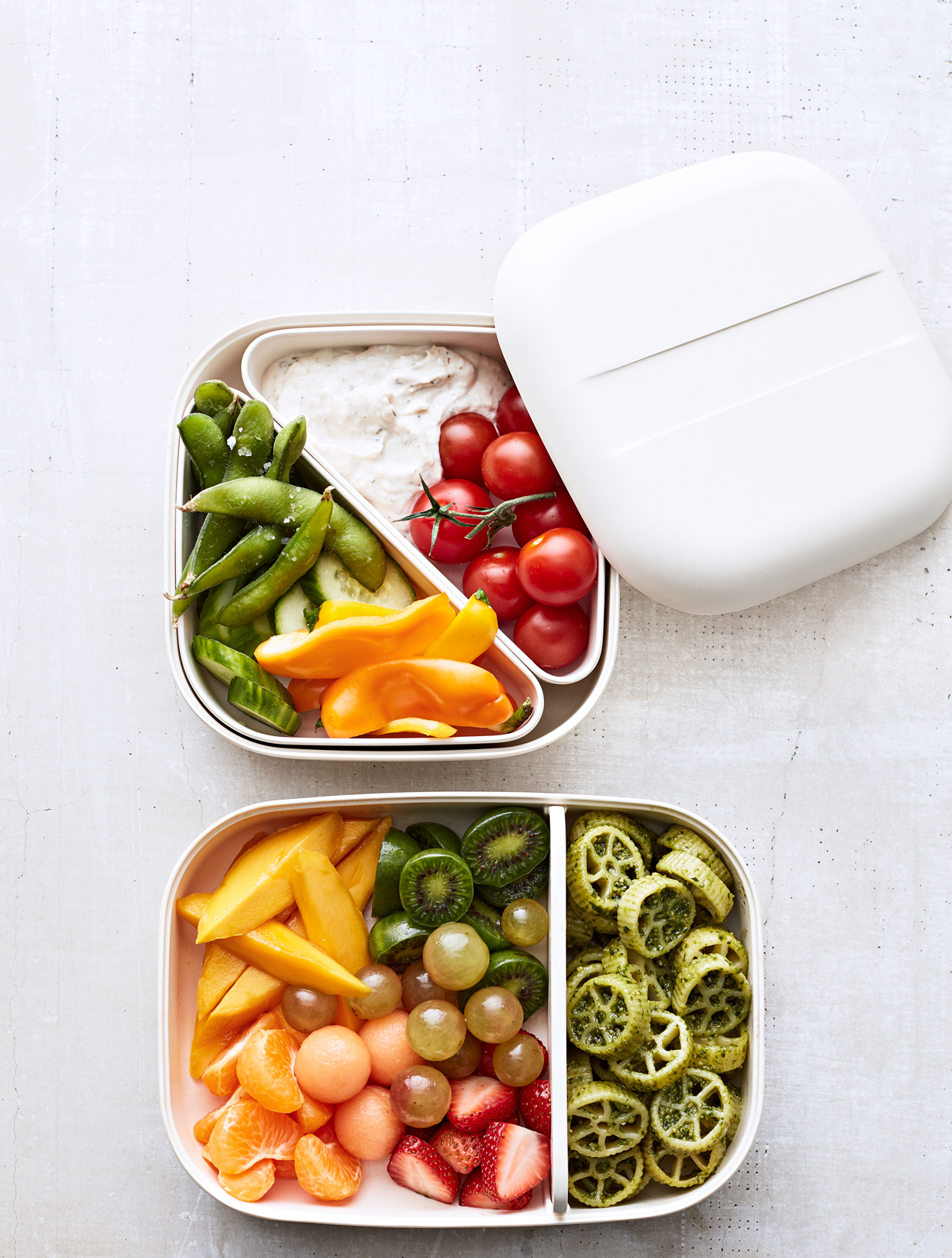 healthy kids lunches packed into containers