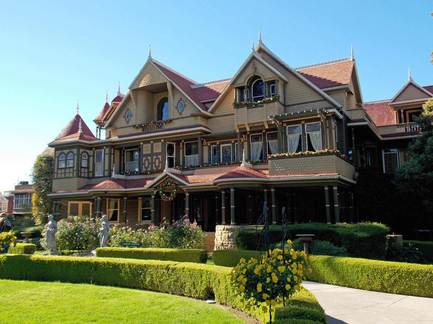 Winchester mystery house and landscaping