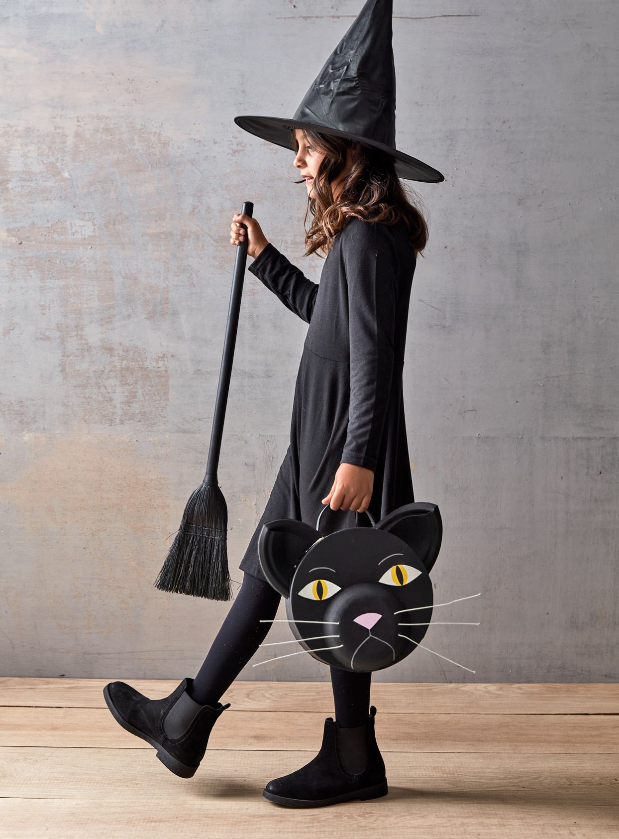 black cat treat bag for witch costume