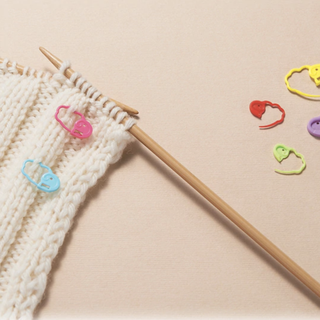 colorful knitting stitch markers