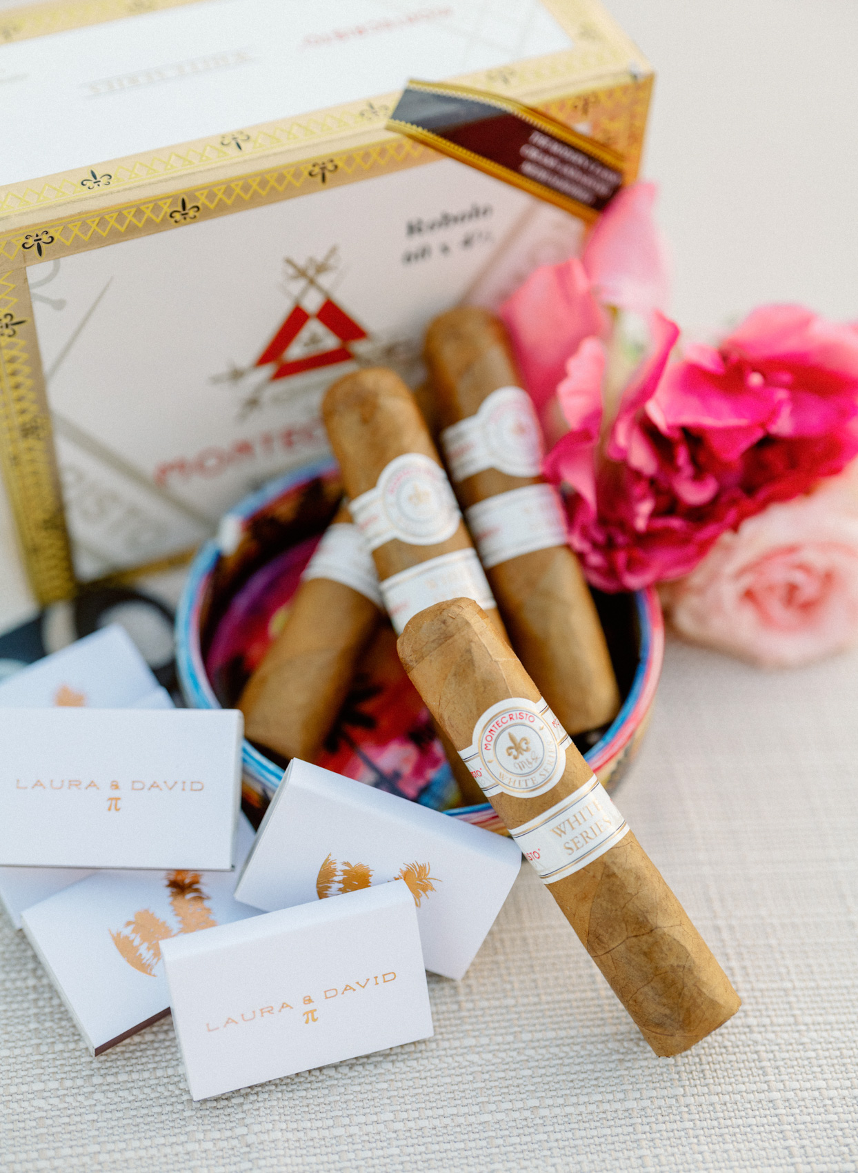 wedding cigar station with flowers