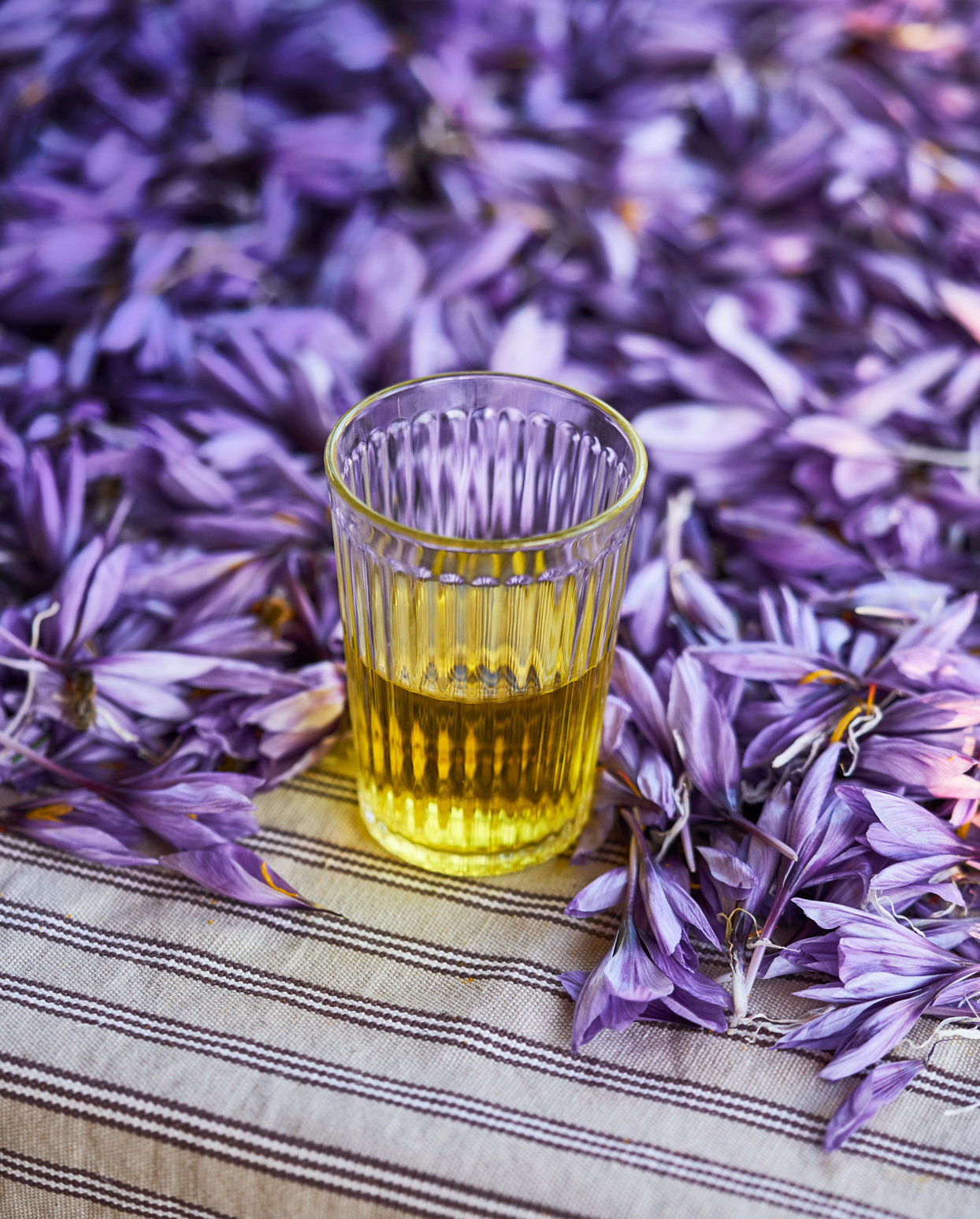 soothing and simple saffron tea