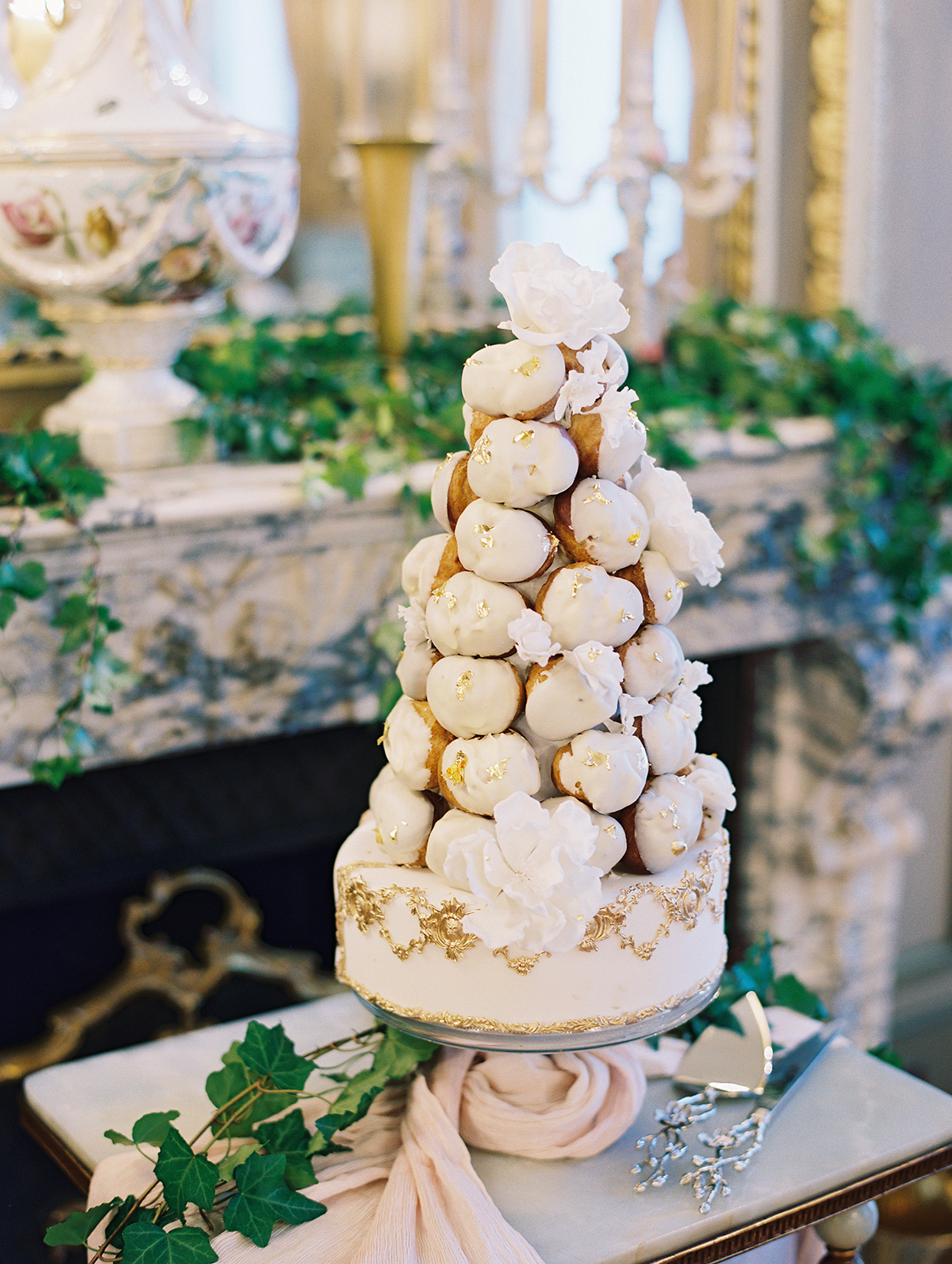 white and gold wedding croquembouche