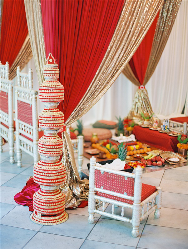 red wedding decor for hindu mandap
