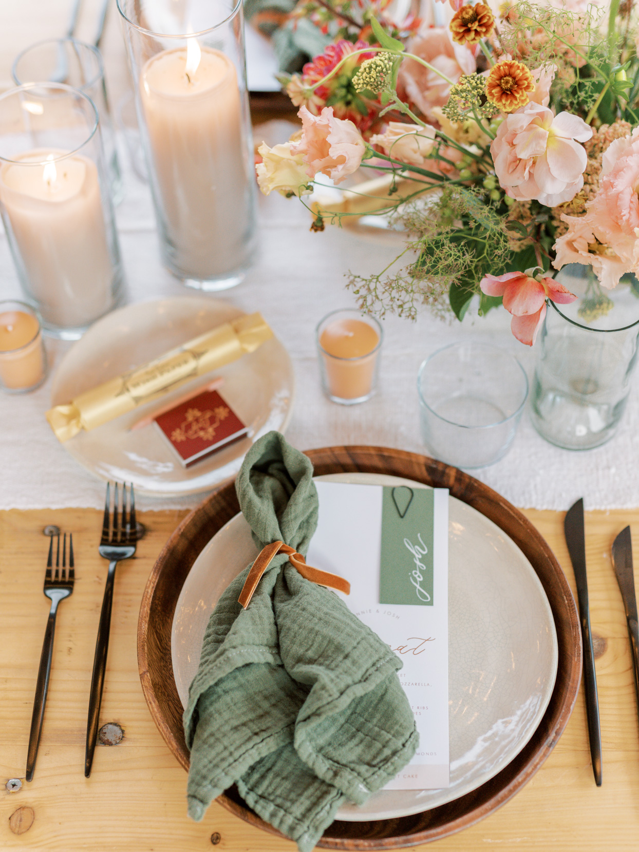 wedding place setting in orange and green color scheme