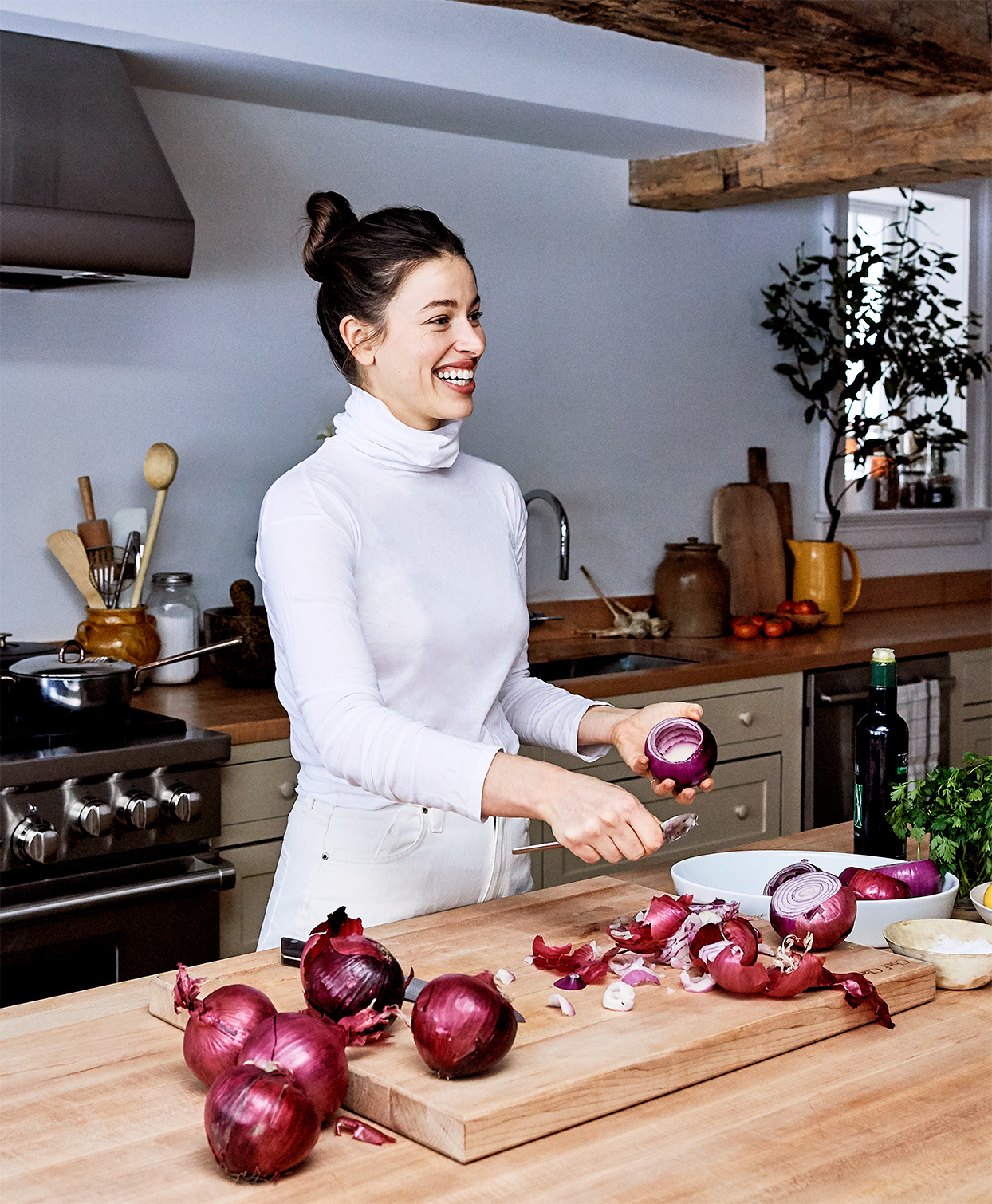 de Boer hollows out red onions for recipe