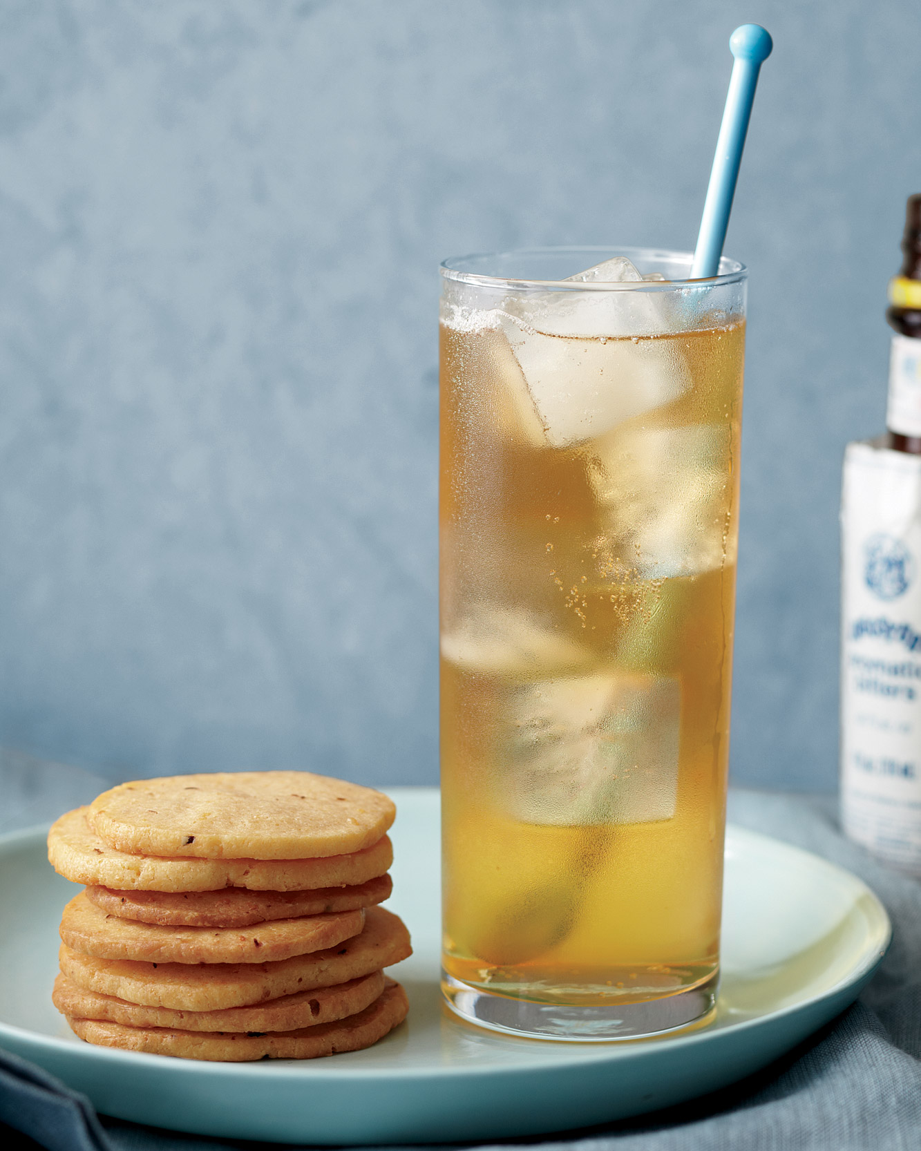 presbyterian cocktail and cheese crackers