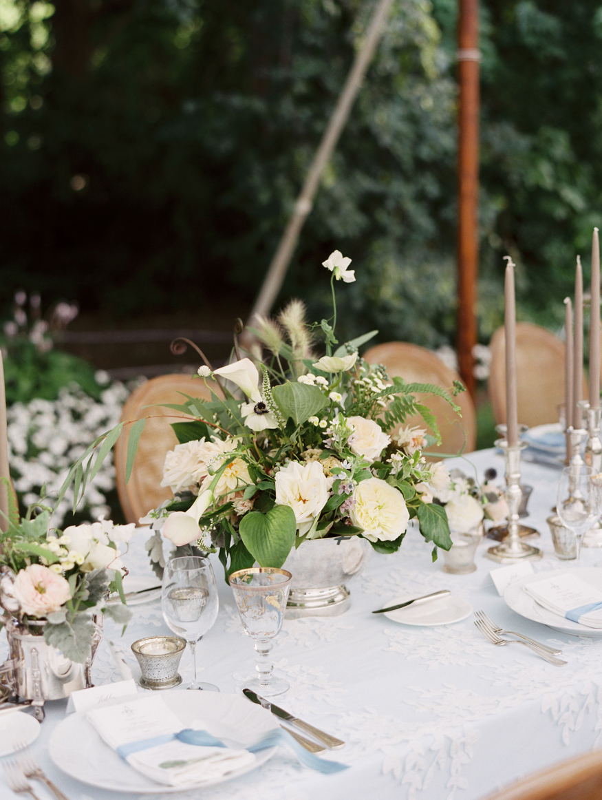 white floral wedding reception table centerpieces