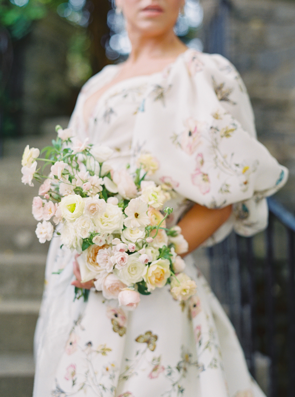 pastel peach and pink wedding bouquet