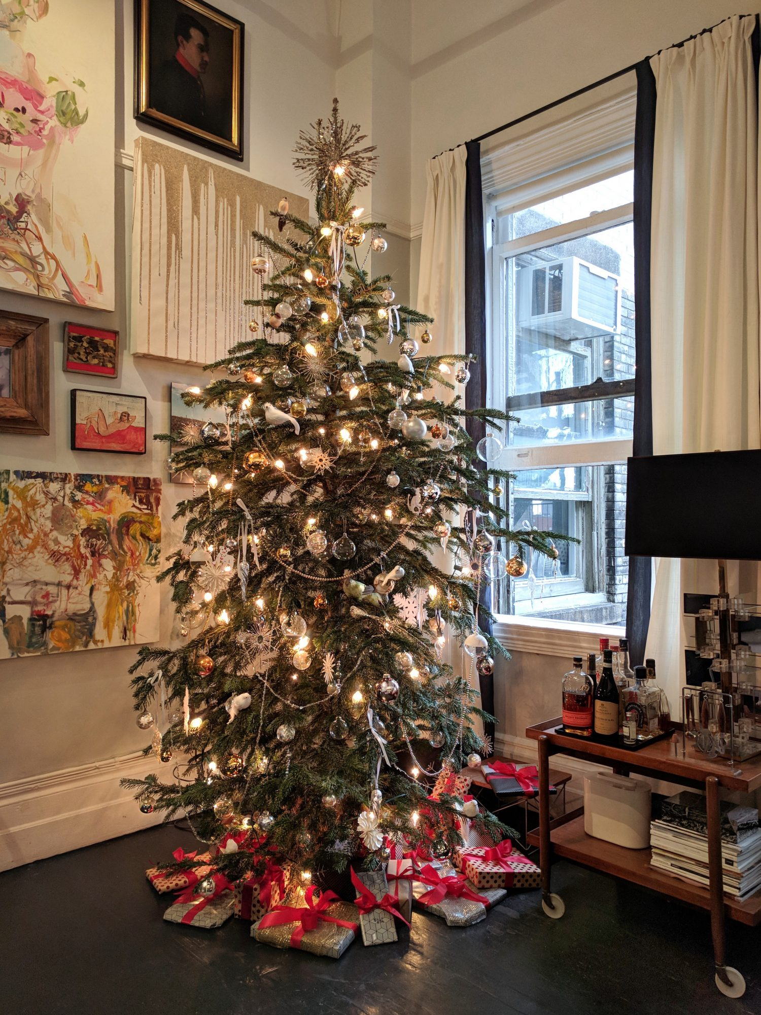 Christmas tree with silver presents