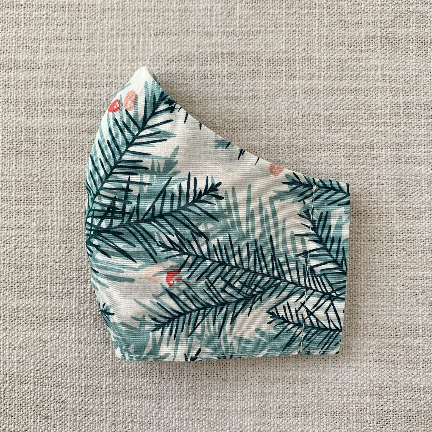 EleStory Pine and Holly Face Mask