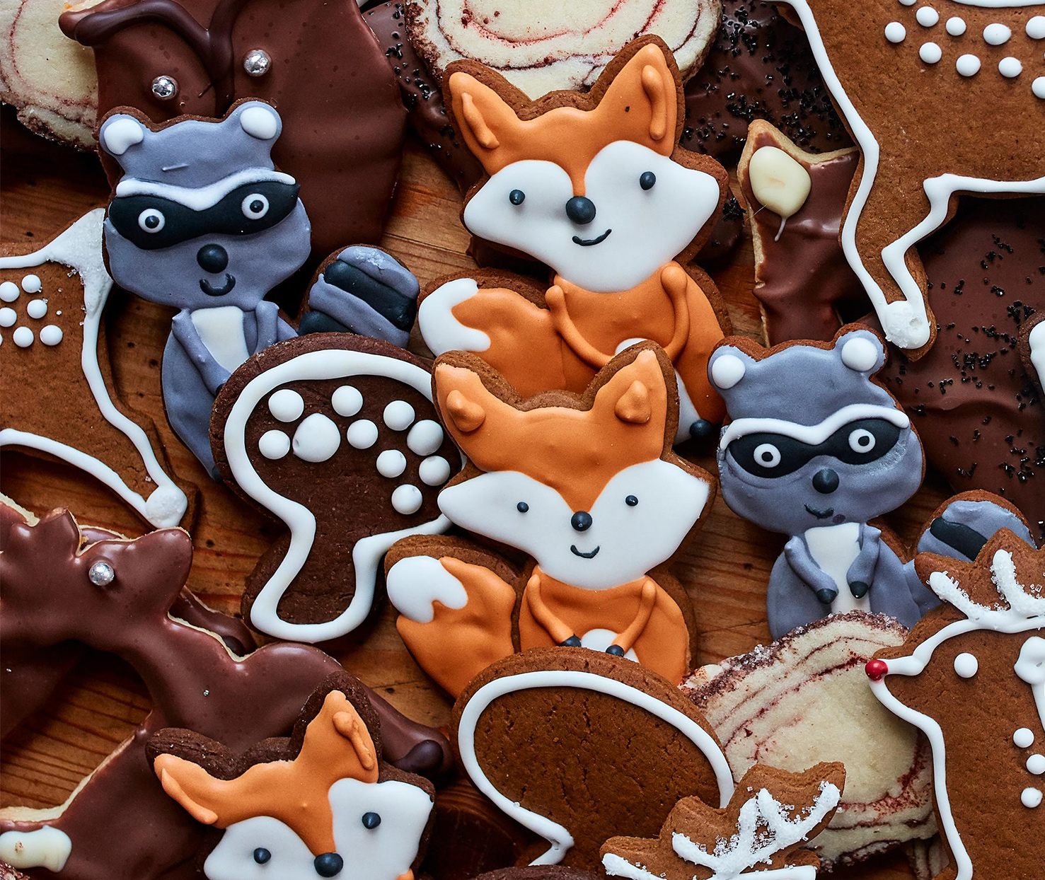 royal icing woodland creatures gingerbread cookies