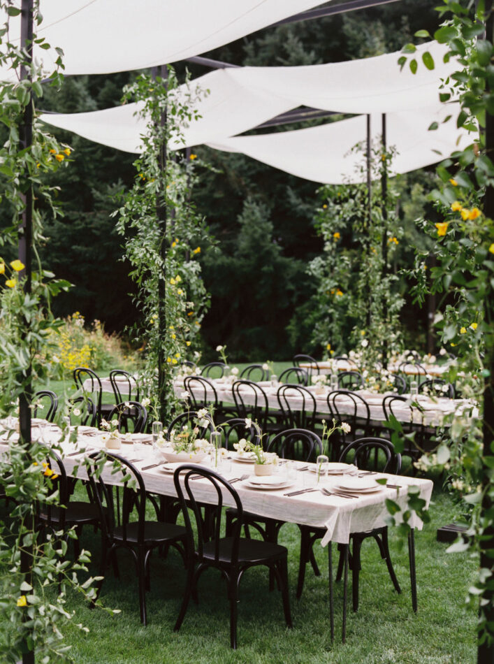 black and white outdoor wedding reception tables