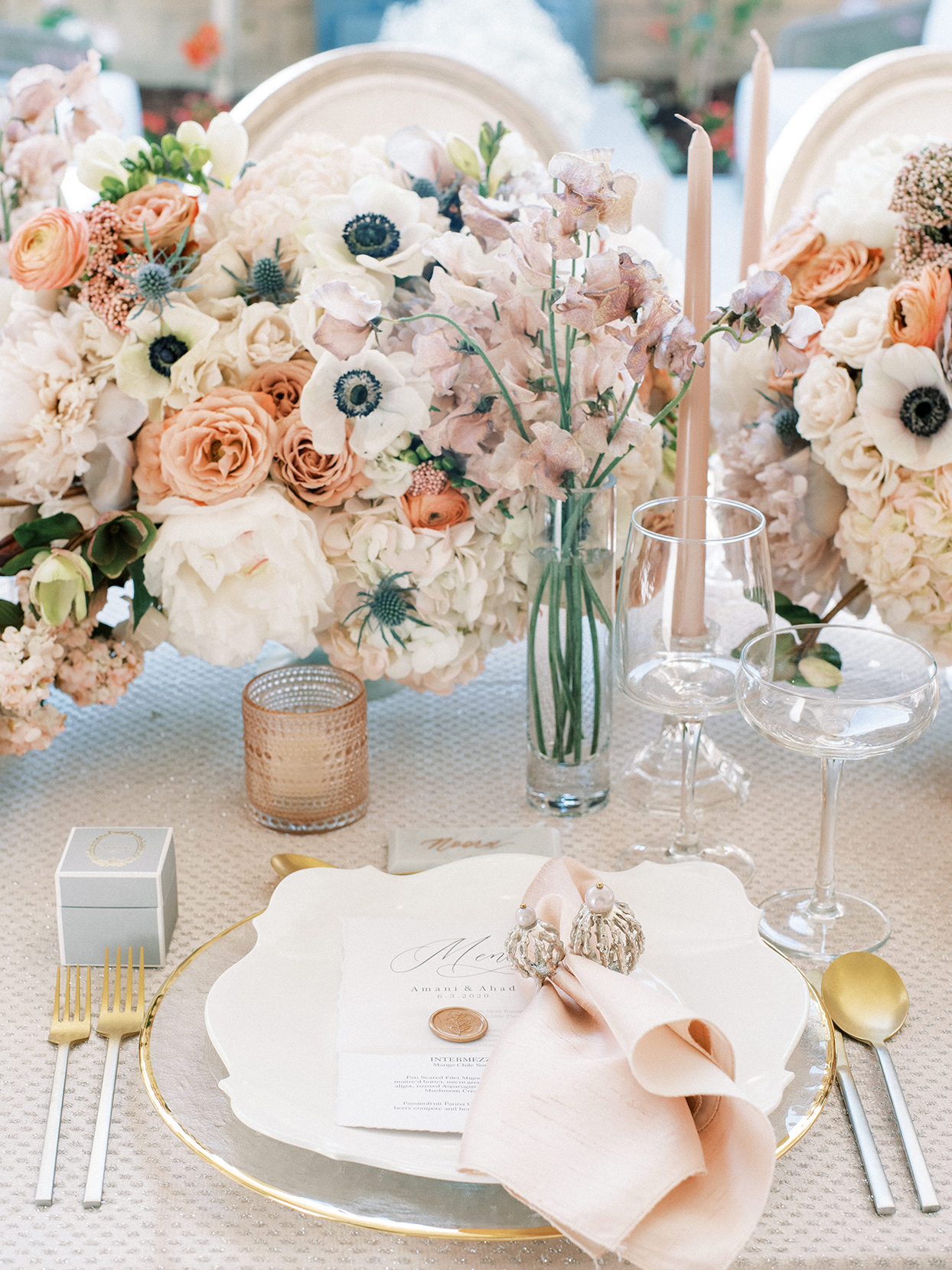 white and gold wedding place settings