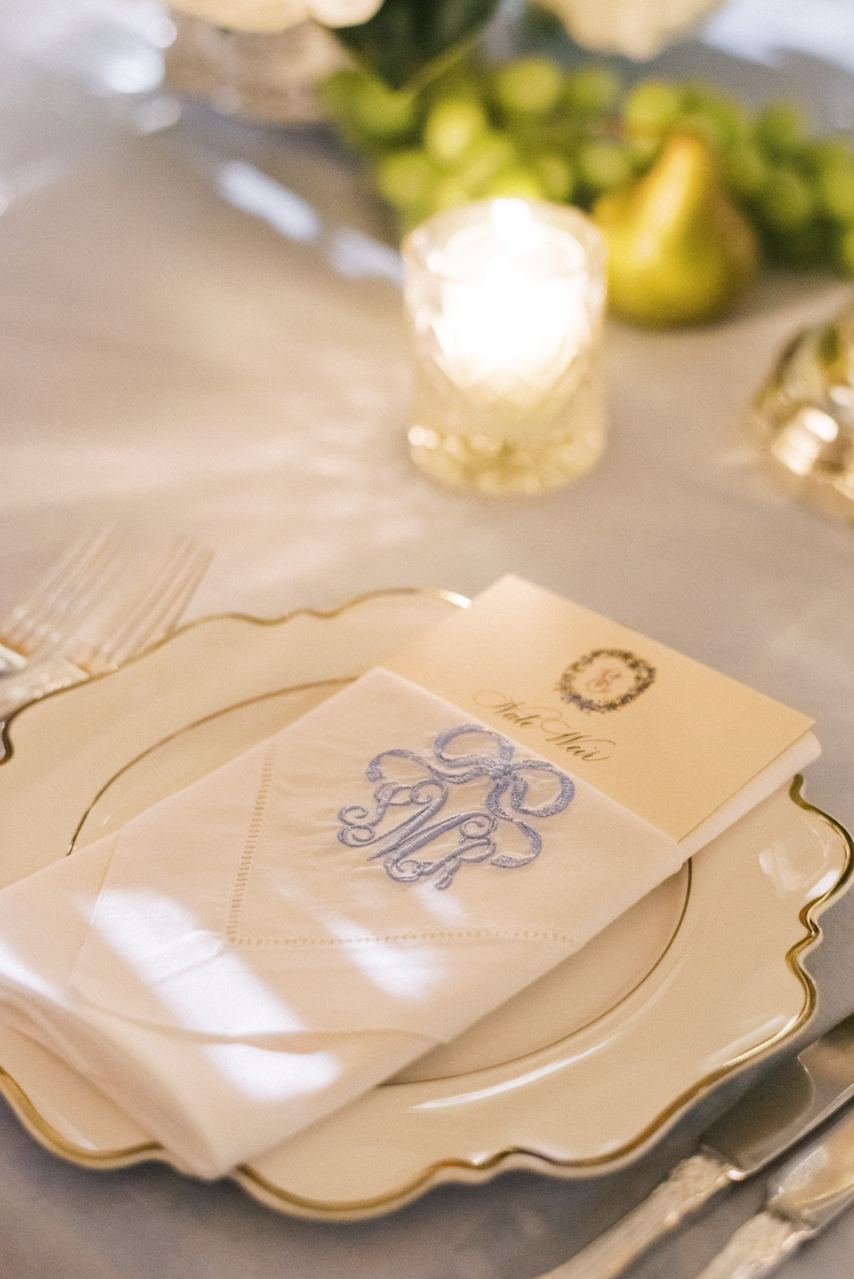 elegant wedding place setting with monogrammed napkin
