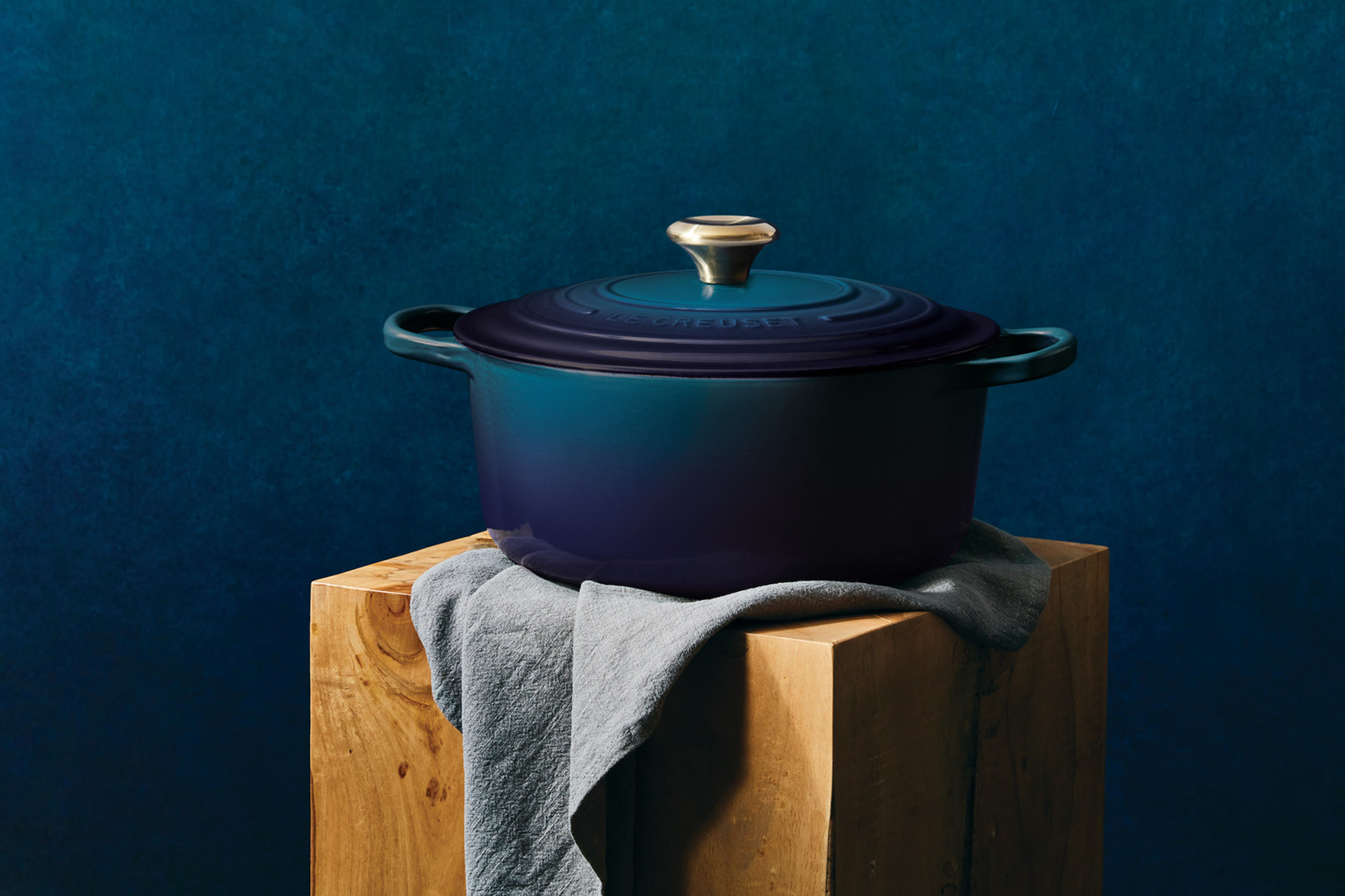 debut of new color from le creuset, agave